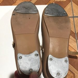 Theatricals Shoes - Tap shoes